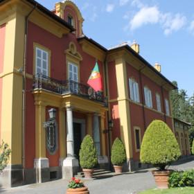 """Valente con """"La serpe e il mirto"""" all'ambasciata Portoghese, Roma"""